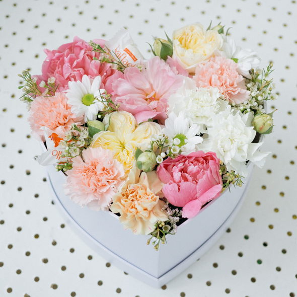 Flowers Dessert Heart Box