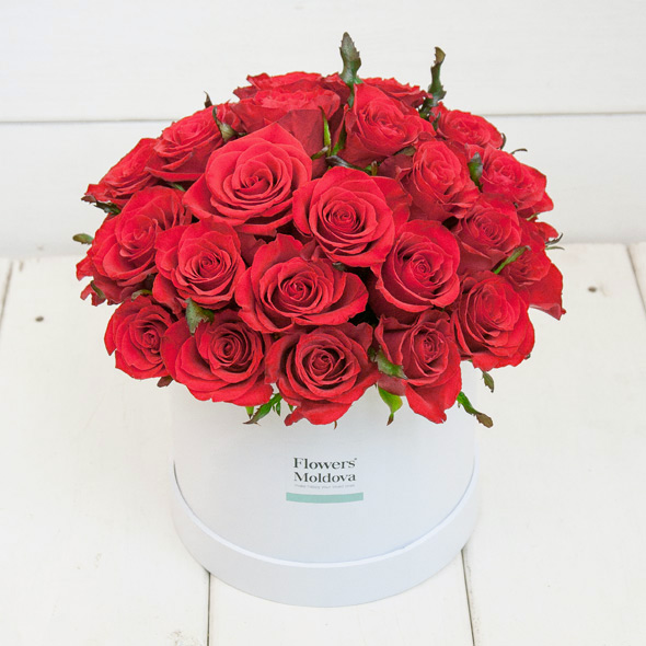 Flower Box Classic Red Roses