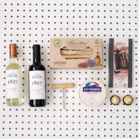 Gift Box Wine Treats